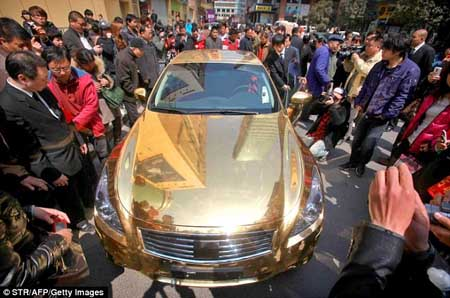 http://rajufebrian.files.wordpress.com/2011/05/11-05-infiniti-g37-gold-05.jpg?w=468