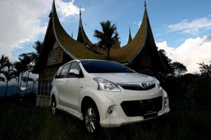 10-05-Toyota Avanza 01