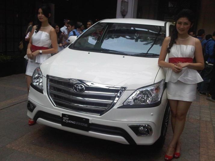 19-08 Toyota Kijang Innova 02