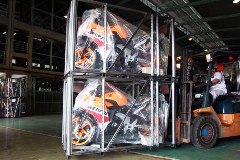 08-10-Honda CBR150R 03