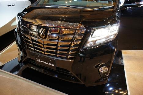 31-03-2015-Toyota-Alphard_03