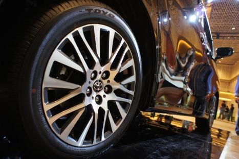 31-03-2015-Toyota-Alphard_10