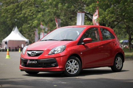16-06-2015-Honda-Brio