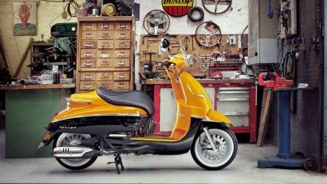 01072015-Moto-Peugeot_Django_05
