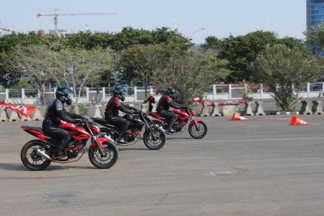 05082015-Moto-Honda-CB150R