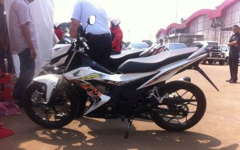 07082015-Moto-Honda_Sonic_150R