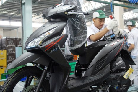 04092015-Moto-Honda_Vario_eSP_01