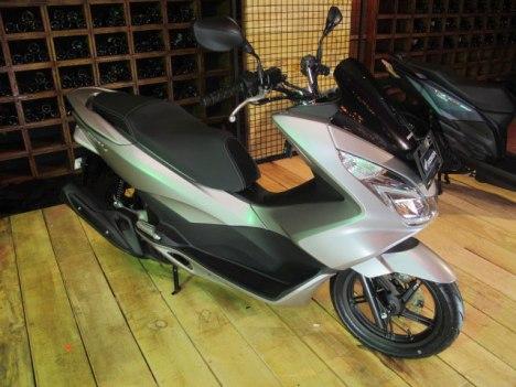 27022016-Moto-Honda-PCX150_01