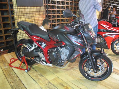 28022016-Moto-Honda-CB650F