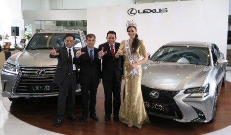 01032016-Car-Lexus_01
