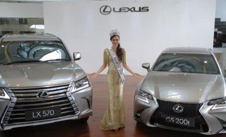 01032016-Car-Lexus_02