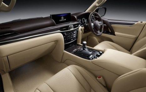 02032016-Car-Lexus-LX570_03