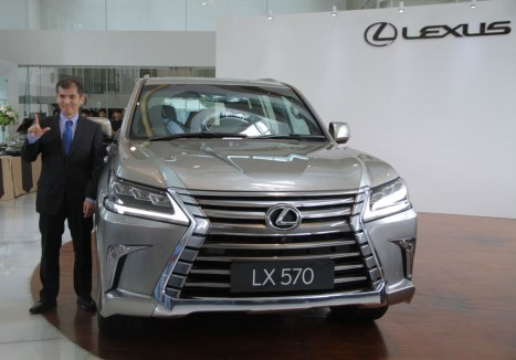 02032016-Car-Lexus_04