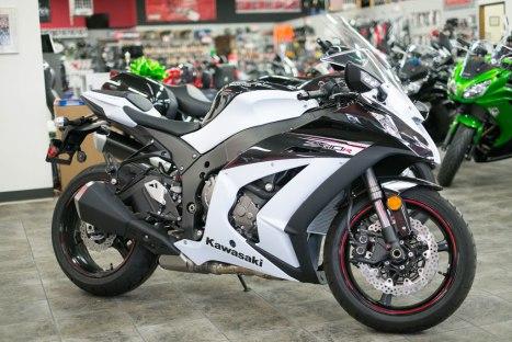 06032016-Moto-Kawasaki_Ninja_ZX10R