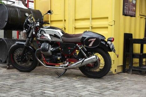 10032016-Moto-Guzzi-V7II_Racer_08