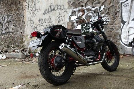 10032016-Moto-Guzzi-V7II_Racer_09