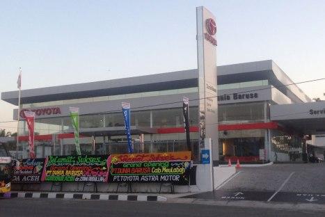 12032016-Car-Toyota-Aceh_01