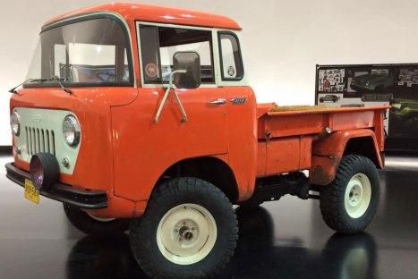 13032016-Car-Jeep-FC-150-Heritage_02