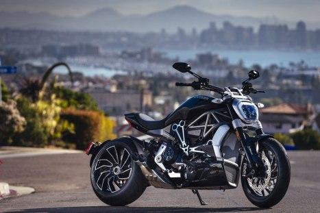 13032016-Moto-Ducati-XDiavel-RSD_02
