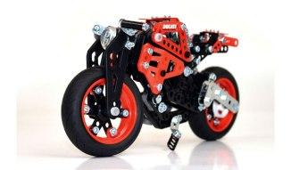 14032016-Moto-Ducati-Meccano_02