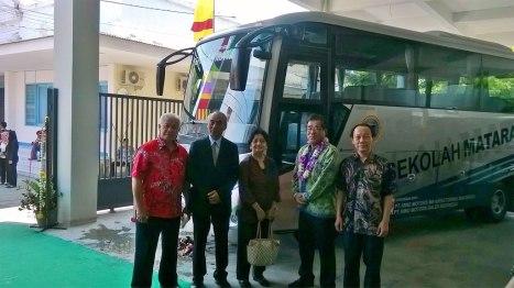 15032016-Car-Hino-Truck