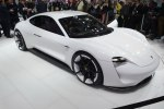 15032016-Car-Porsche-Mission-E_02