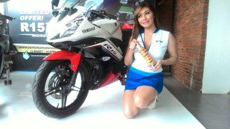 15032016-Moto-Yamaha-R15-Ohlins_02