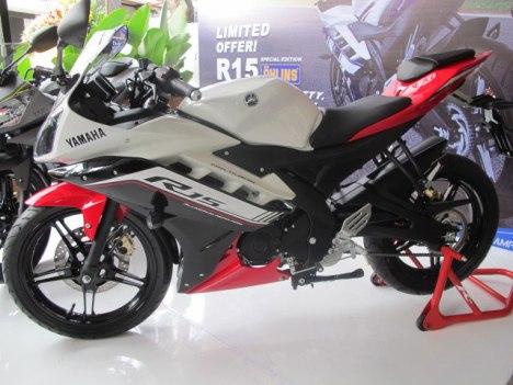 16032016-Moto-Yamaha-R15-SE_03