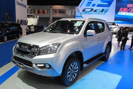 22032016-Car-Isuzu-mu-X_02