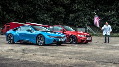27032016-Car-BMW-i8-Vs-M4