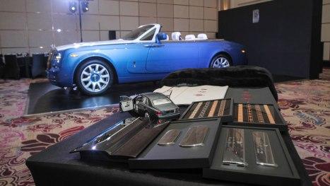 01042016-Car-Rolls-Royce-Bespoke_01