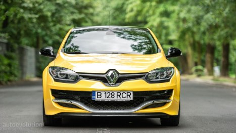 05042016-Car-Renault-Megane-RS