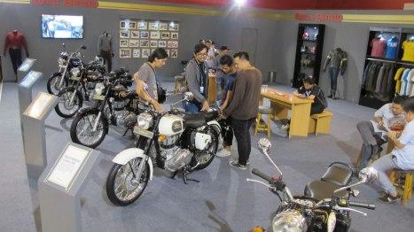 08042016-Moto-Royal-Enfield-IIMS2016