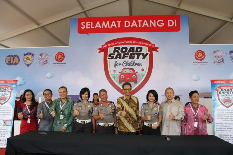 11042016-Car-Road-Safety-for-Children