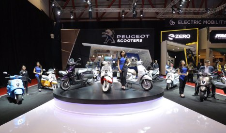 11042016-Moto-Peugeot-Scooters