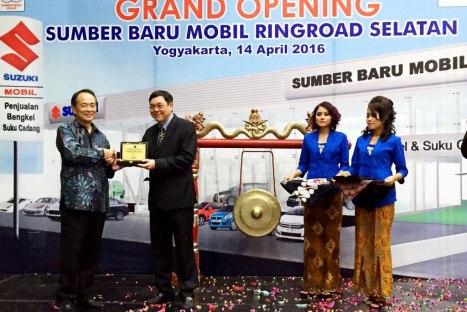 15042016-Car-Suzuki-Yogyakarta_02