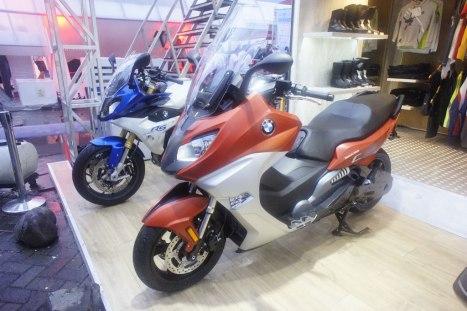 17042016-Moto-BMW-Skutik