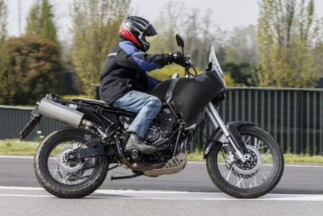 18042016-Moto-Yamaha-MT07