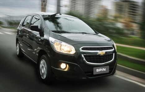 26042016-Car-Chevrolet-Spin