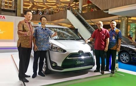 04052016-Car-Toyota-Sienta-Bandung_03