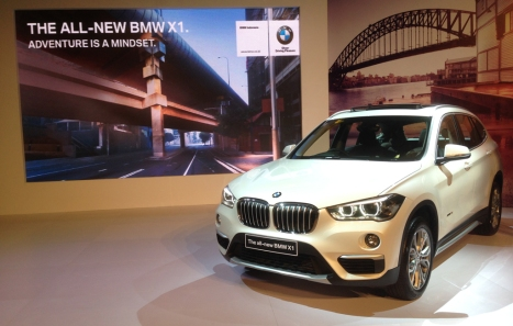 11052016-Car-BMW-X1