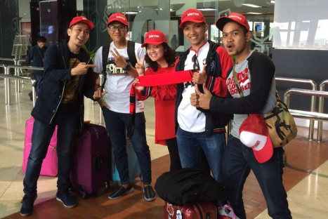 (Foto: ki-ka, Valentinus Fun, Elia Emmaus Sitorus, Stephanie Tunggal (General Motors Indonesia), Sigit Herprabowo, dan Agus Sukertha)