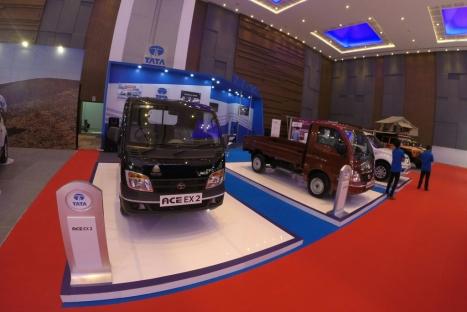 18052016-Car-Tata-Makassar