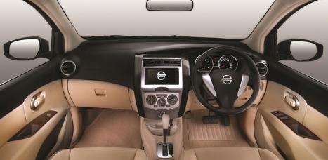 02062016-Car-Nissan-Grand-Livina_03