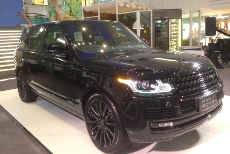 04062016-Car-Range-Rover-LWB